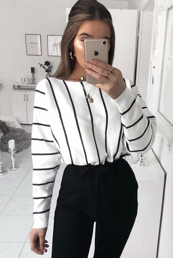25 Verfijnde werkkleding en kantooroutfits voor vrouwen die er stijlvol en chic uitzien., #casualoutfitfrauen #Chic #die #Kantooroutfits