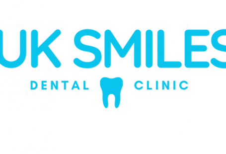 UK smiles is a dentist in turkey who provide dental treatments for UK customers. The treatments we provide include Veneers, Dental Implants and Dental Crowns. We include flights hotel and treatment in all of our bookings.