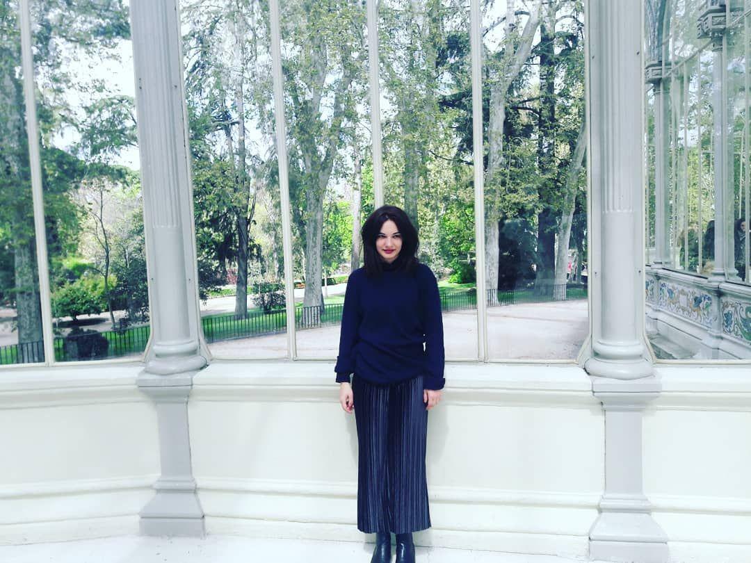 The lady in black #madrid #cristalpalace #hollydays #black #cristal