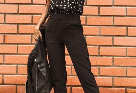Musa do estilo: Viih Rocha - #GuitaModa. Blusa preta com estampa de bolinhas, calça de alfaiataria preta, mocassim preto, jaqueta jeans