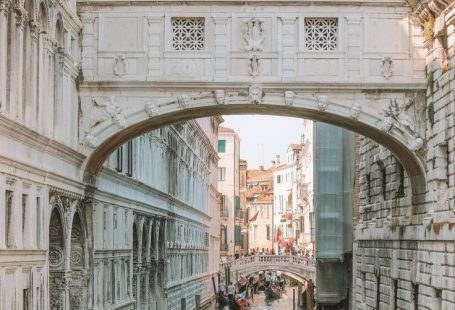 Saw the typical Venice? Want to see something more? Let