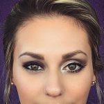 Schlupflider schminken funktioniert ganz einfach. Wir erklären euch, wie ihr hängende Augenlider mit Make-up ganz einfach kaschieren könnt.