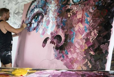 Belgian artist living and working in Playa Del Carmen,Mexico
