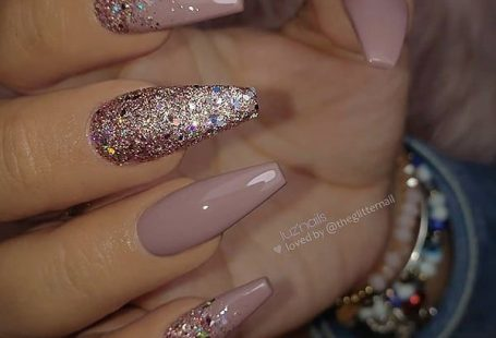 "TheGlitterNail ? Get inspired! on Instagram: ""✨✨✨✨✨ Mauve and Gli… – Long Nail Designs - Water TheGlitterNail ? Get inspired! on Instagram: ""✨✨✨✨✨ Mauve and Gli… – Long Nail Designs - Water,Fingernägel #Designs #Gli #Hair Design #Inspired"